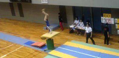 腱引きで体操選手のメンテナンス1