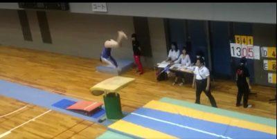 腱引きで体操選手のメンテナンス2