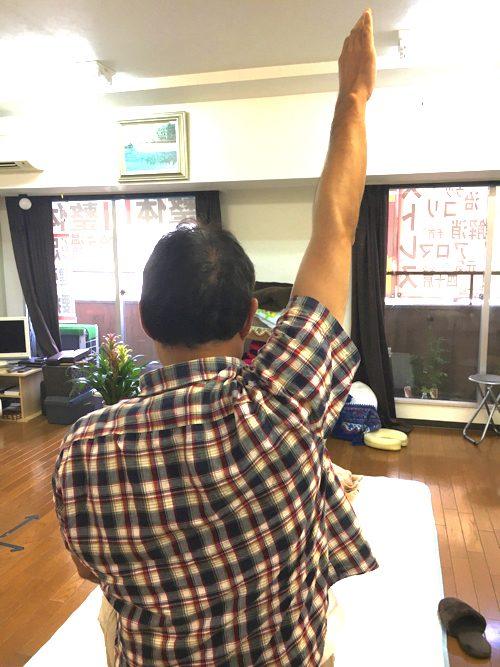 肩が上に上がらない、腕が回らない四十肩・五十肩等の肩の痛みの治療10