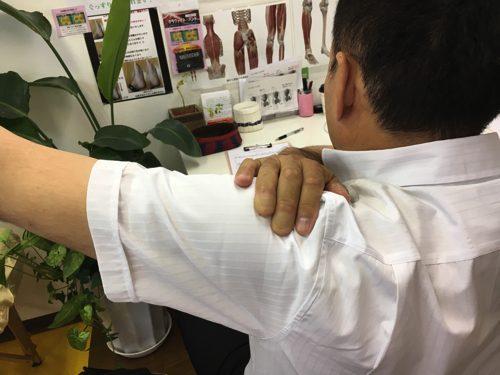 肩が上に上がらない、腕が回らない四十肩・五十肩等の肩の痛みの治療5