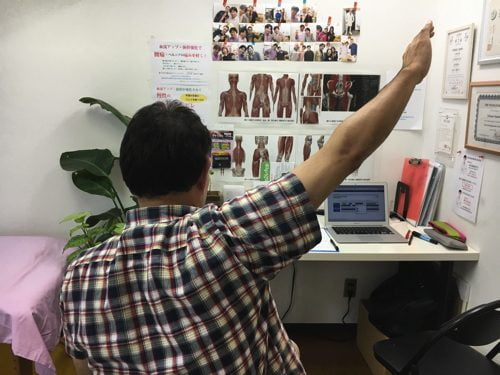 肩が上に上がらない、腕が回らない四十肩・五十肩等の肩の痛みの治療8