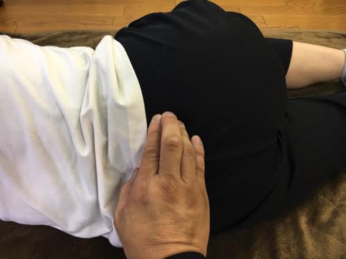 太腿の痛みで歩けない原因と治療方法