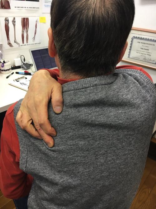 広島で肩と首の痛みの原因と治し方_寝違えや腕の痺れをすぐに治す整体院