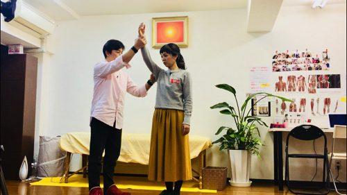 広島ホームテレビ_Jステーション-カラダ健康塾_肩こり解消ストレッチ5